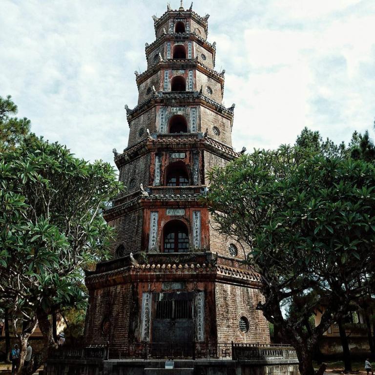 Chua-Thien-Mu-Hue-768x768