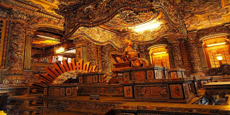 Lang-Khai-Dinh-768x386